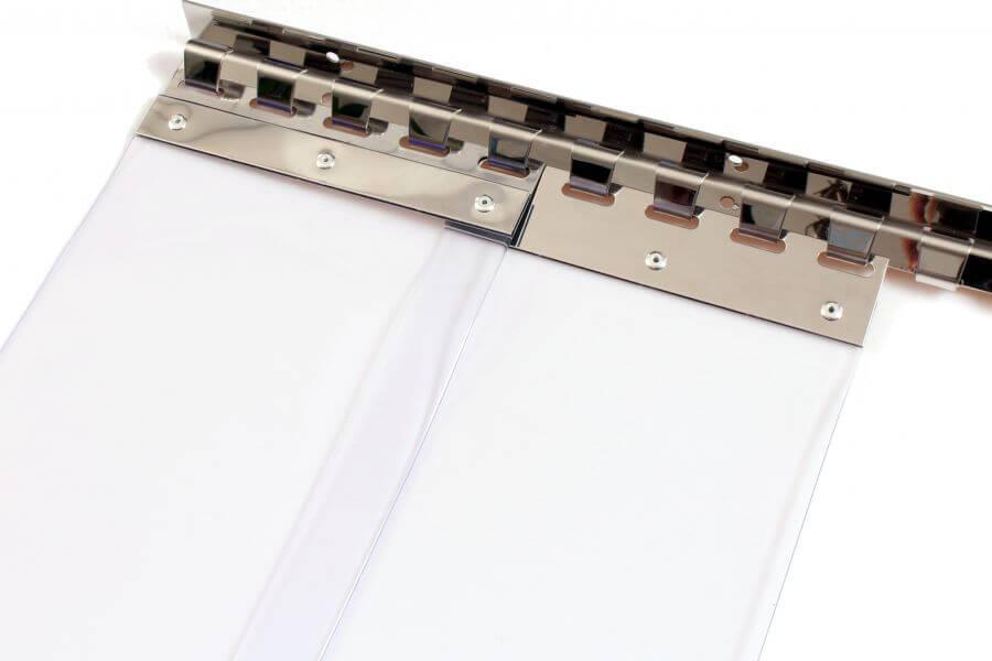 Kurtyny paskowe z systemem montażu typu wieszak grzebieniowy.
