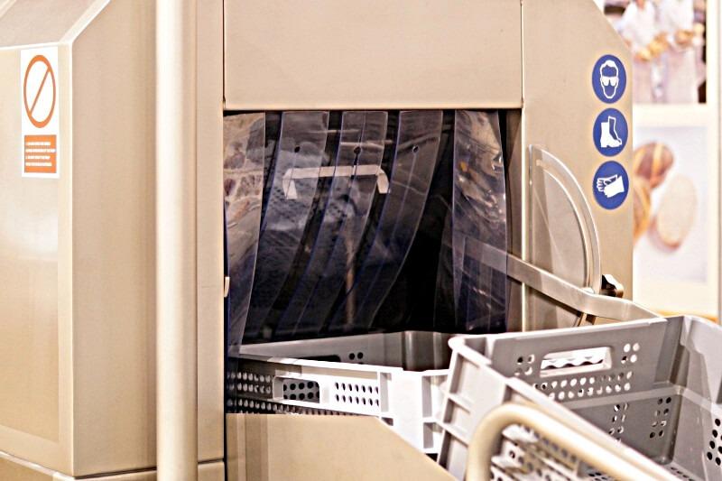 Drzwi paskowe na maszynie