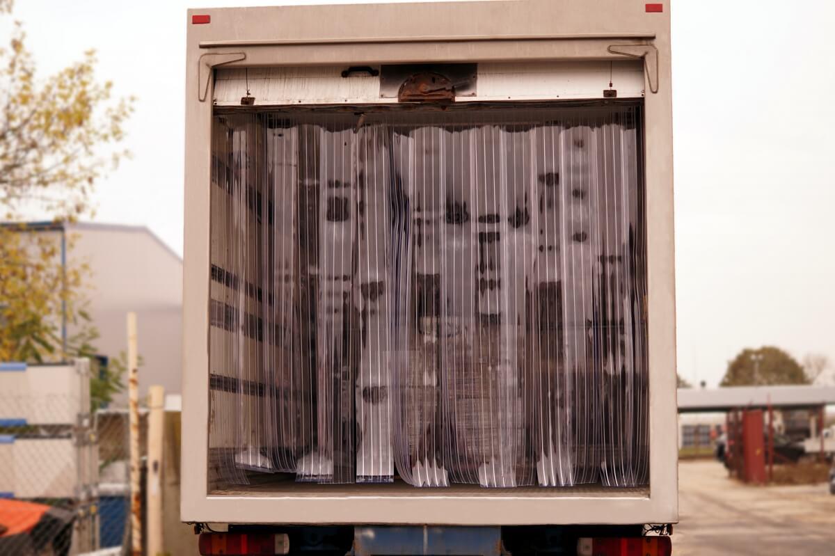 Kurtyny paskowe do montażu w samochodach ciężarowych