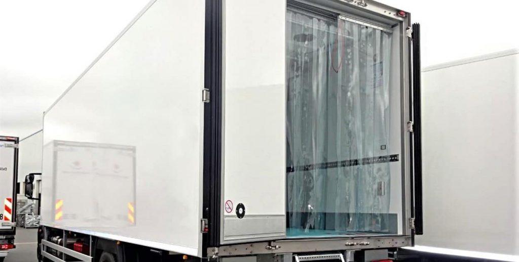 Kurtyny przesuwne do samochodów ciężarowych